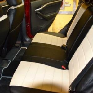 Не страшно, если задние пассажиры выльют сок, или испачкают сиденье. Экокожа легко вытирается обычной тряпкой