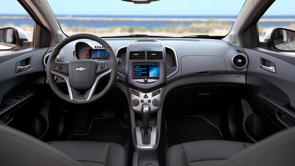 chevrolet_aveo nb_interior_980x551