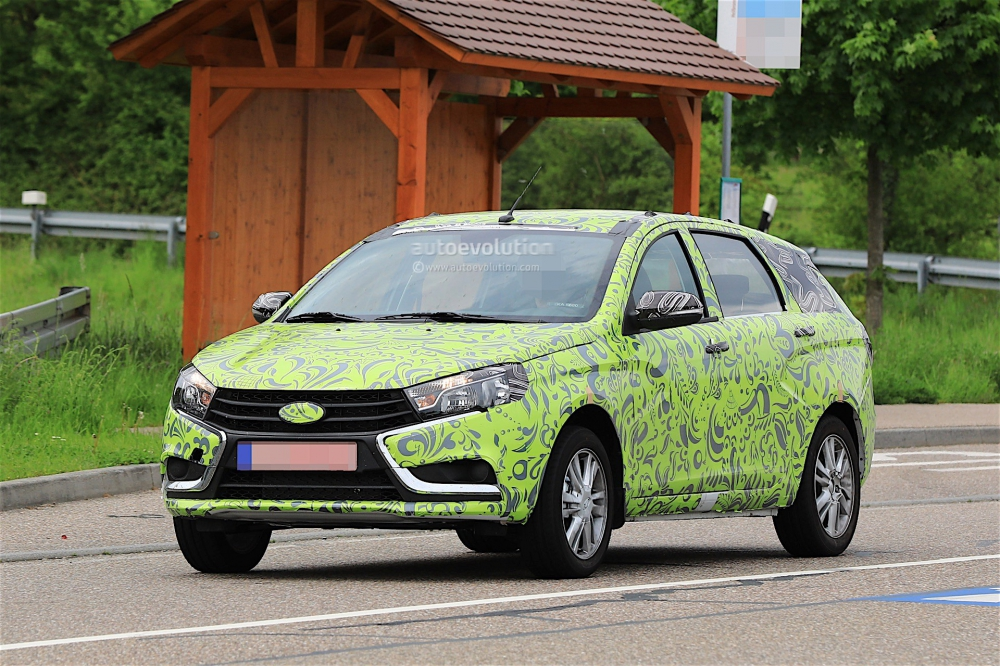 1494586187_2018-lada-vesta-combi-spied-for-the-first-time_2
