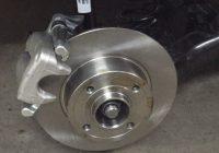 Самостоятельная установка задних дисковых тормозов на Лада Веста – детали и работа
